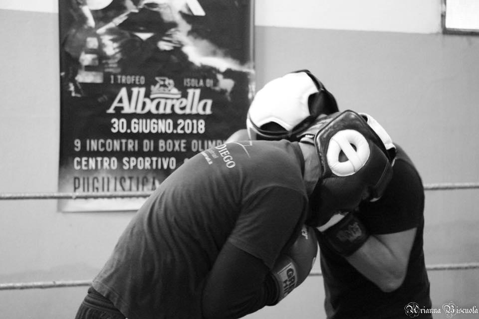 Due pugili ai guanti sul ring della Pugilistica Rodigina