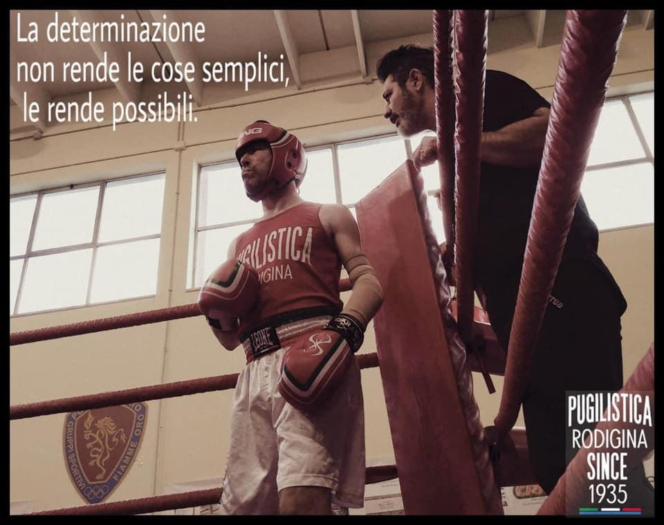 L'atleta michele brusaferro della Pugilistica Rodigina sul ring