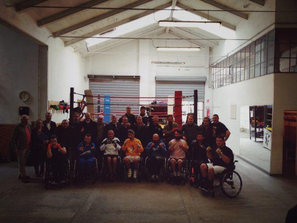 I partecipanti alla riunione di Livorno a favore della boxe paralimpica