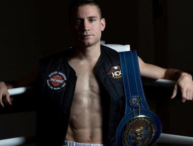 Luca Rigoldi con la cintura europea